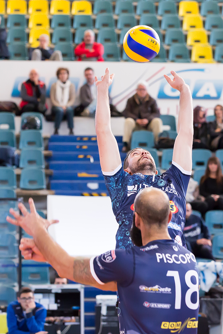 Quattordicesima di regular season. Prima contro terza, arriva Bergamo